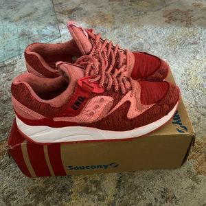 Saucony End Grid 9000 - Red Noise